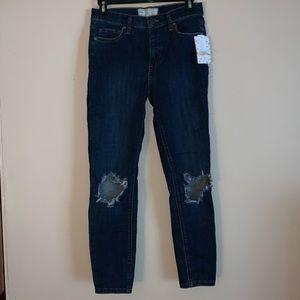 NWT 💙 Free People Distressed Skinny Jeans